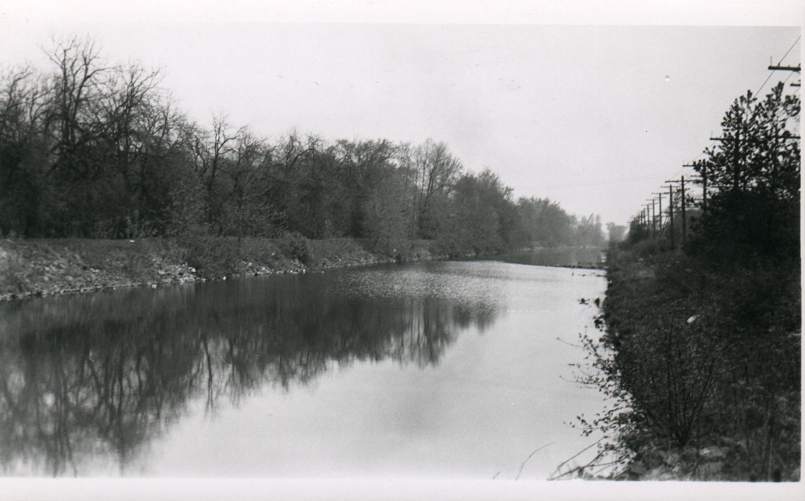Abandoned Erie Canal Portion from Tonawanda to Buffalo, photo (c1935).jpg