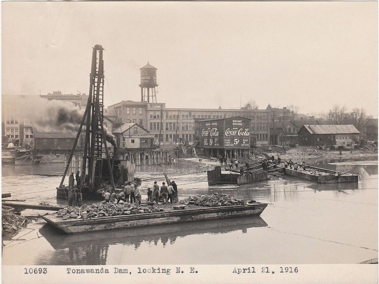 Tonawanda Dam, looking NE, photo (1916-04-21).jpg