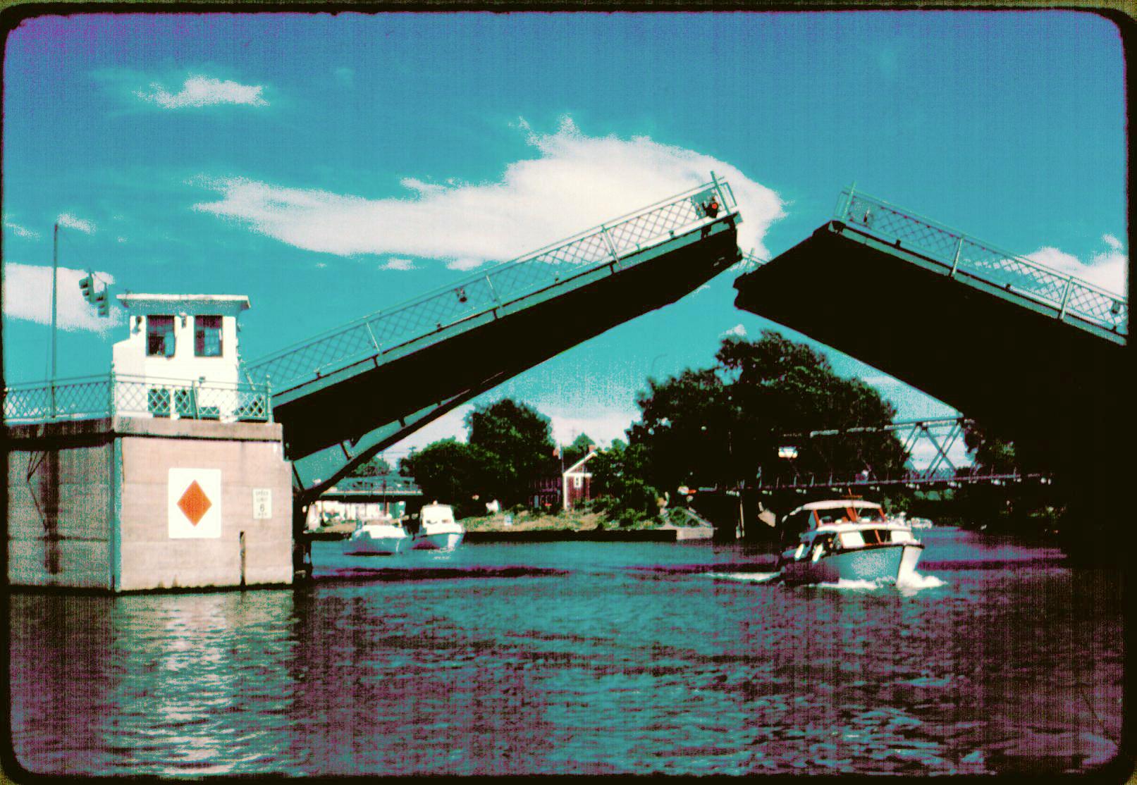 062 2198 Bascule bridge.jpg