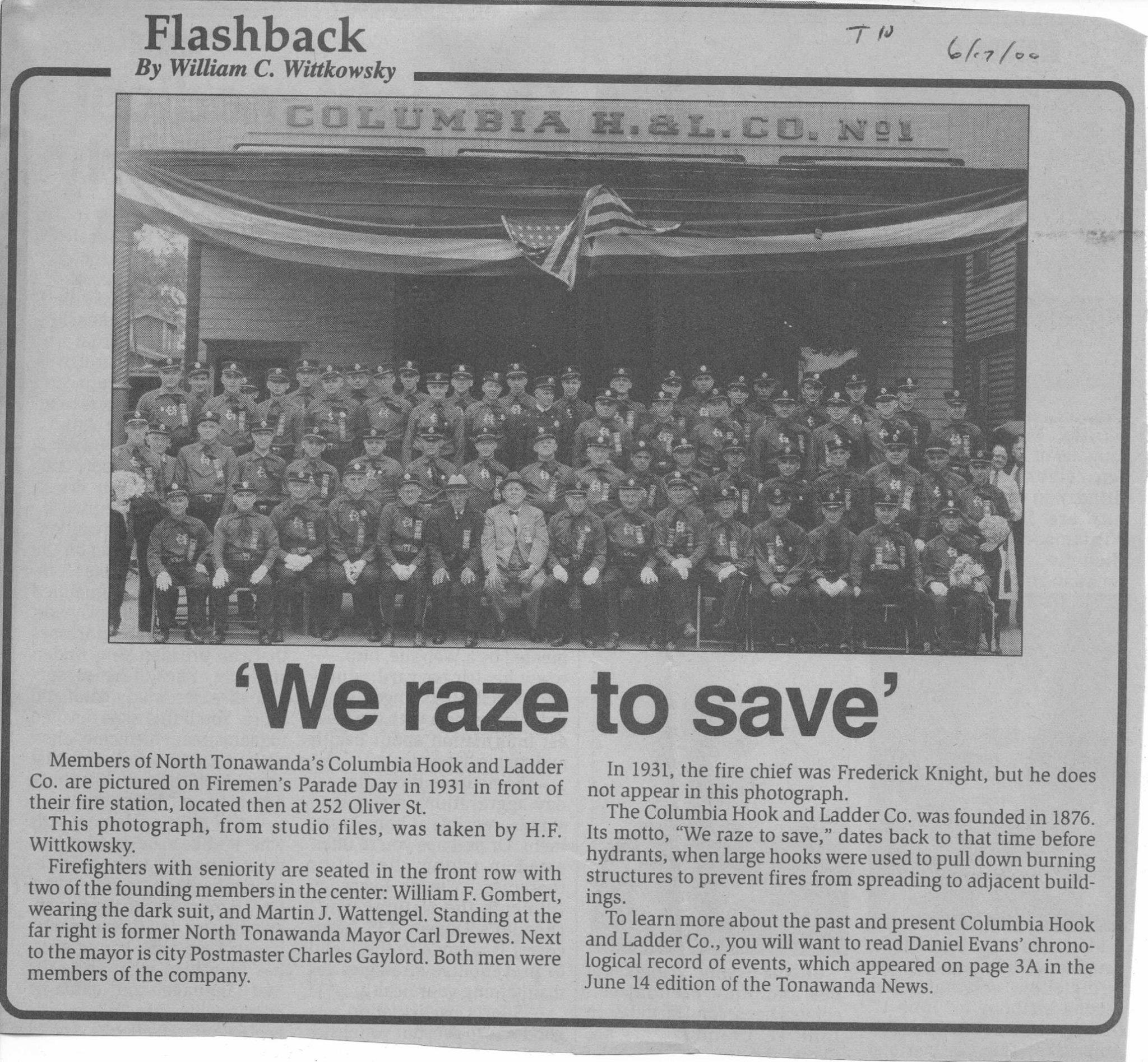 Columbia Hook and Ladder, 252 Oliver, group photo (Tonawanda News, 2000-06-17).jpg