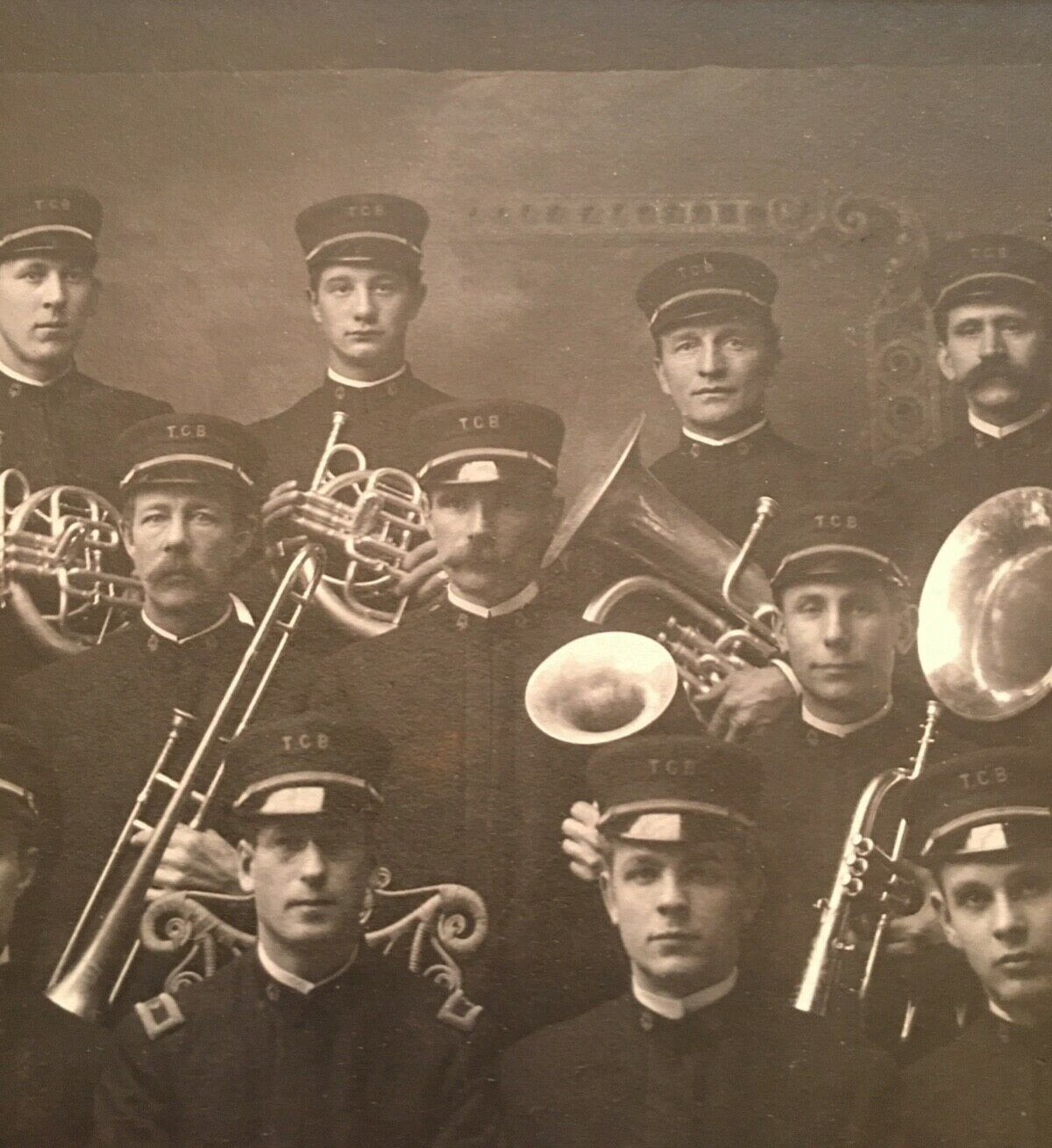 Twin City Band of Tonawanda, photo DETAIL (c1900).jpg