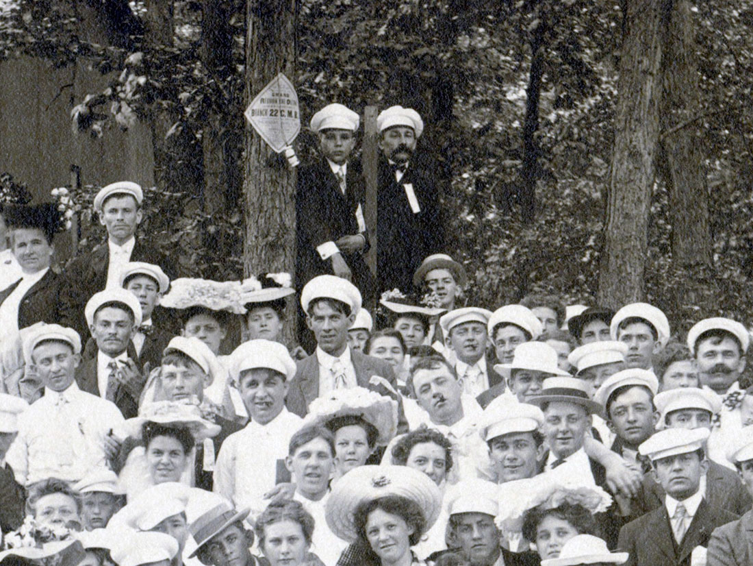 de Kleist and son August at Grand Island employee outing, photo detail (HST, c1903).jpg