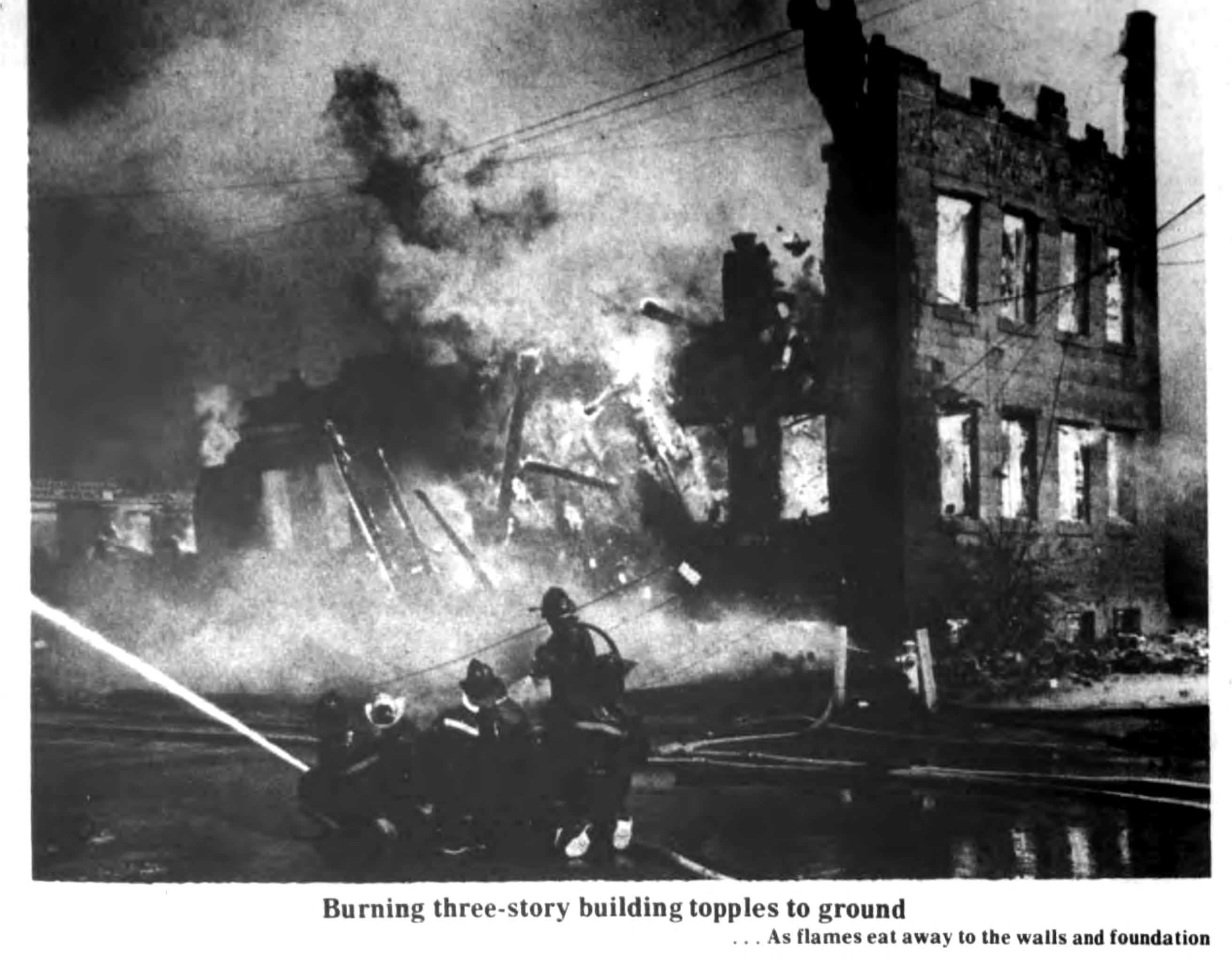 Burning building topples, Auto-Wheel fire, photo (Tonawanda News, 1972-05-30).jpg