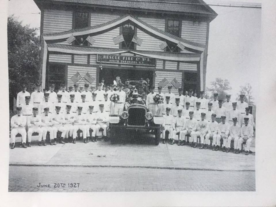 Rescue Fire Hall, Martinsville, group photo (1927).jpg