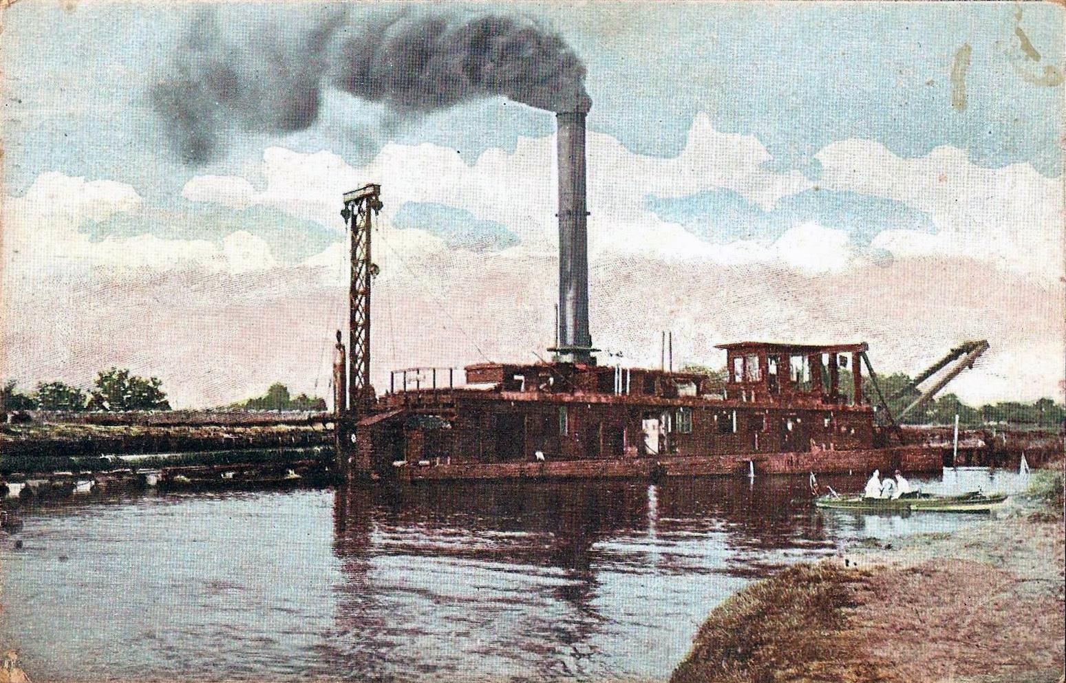 Steam SAND SUCKER Boat on Thousand-Ton Barge Canal, postcard (1912).jpg