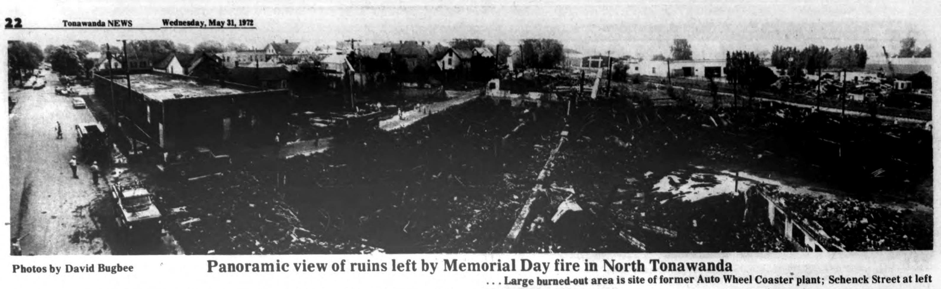 Pnoramic view of ruins, Auto-Wheel fire, photo (Tonawanda News, 1972-05-31).jpg