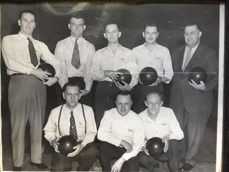 Martinsville bowlers, photo (c1945).jpg