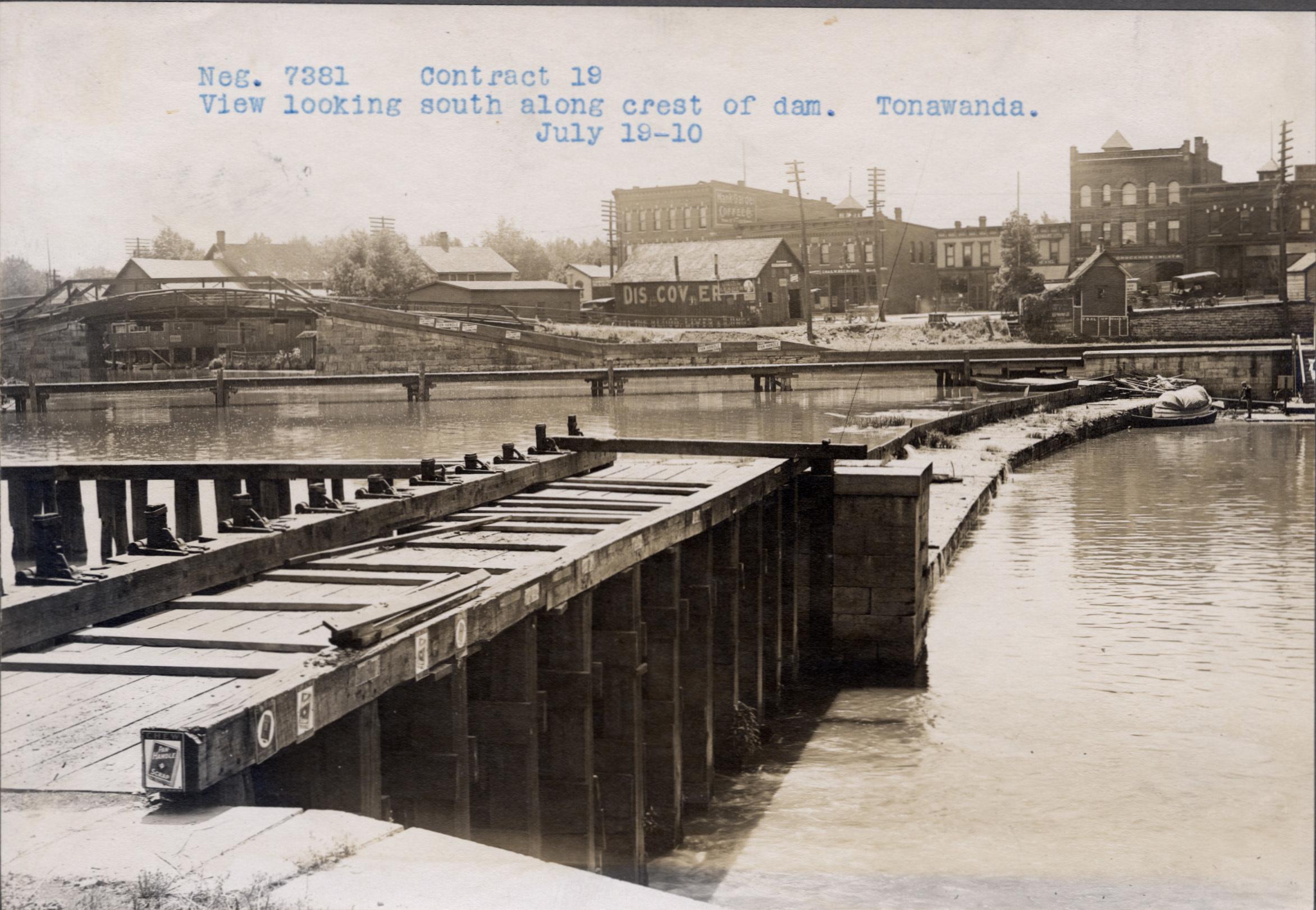 Looking south along the crest of the dam in Tonawanda, photo (NYSA, 1910-07-19).jpg