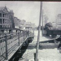 068 Train crossing canal-broken bridge.jpg