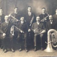 Tussing family in a band, photo (1915).jpg