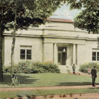 Carnegie Library, illustrated postcard (1910).jpg