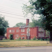 Gratwick School, photo (Kathleen Hay, 1990).jpg