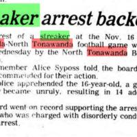 Streaker arrest backed, article (Tonawanda News, 1979-11-30).jpg