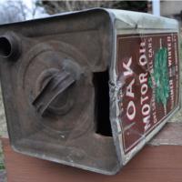Oak Motor Oil, can, top.jpg