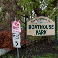 Boathouse Park sign, photo (Dennis Reed Jr, 2021-05-03).jpg